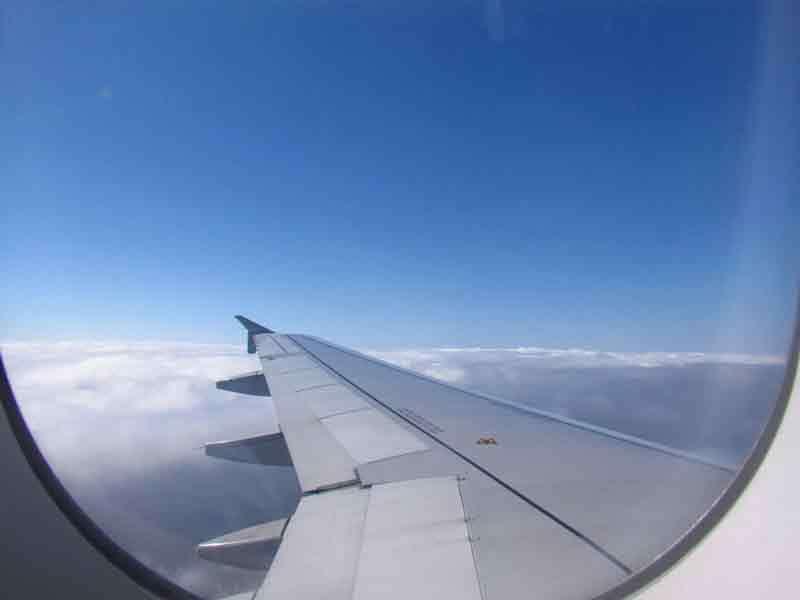 100+ Gambar Awan Dari Jendela Pesawat Paling Keren