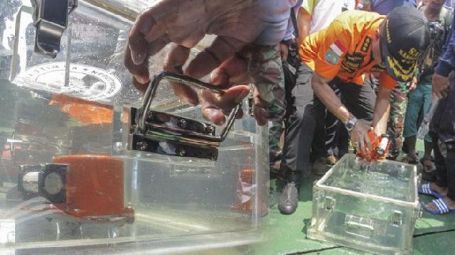 Begini Penampakan VCR Milik Lion Air JT610 Yang Ditemukan